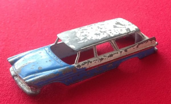 CORGI TOYS 443  - Original - Plymouth U.S. Mail Body shell